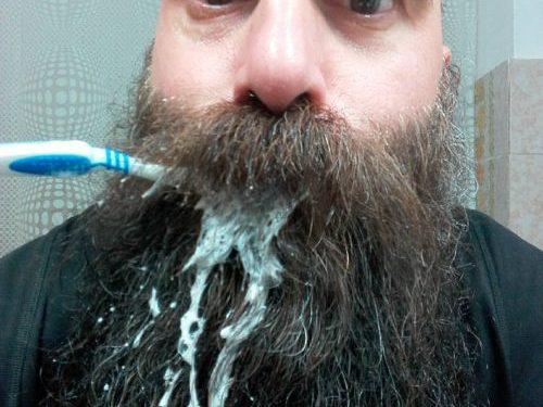 Azioni impossibili da fare con la barba