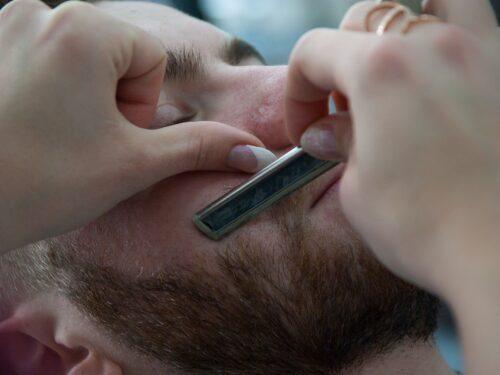 Quattro consigli per curare una barba corta